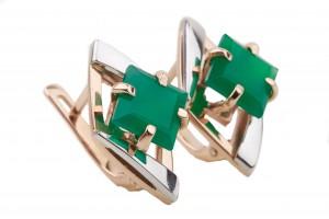 Золотые серьги с зеленым ониксом