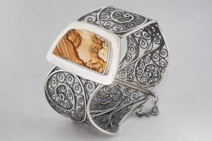 Серебряный браслет с яшмой