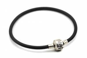 Каучуковый серебряный браслет для шармов (с серебряным замком)
