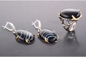 Серебряный набор с агатом (кольцо и серьги)