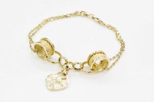 Золотой браслет с сердечком и двойной цепью