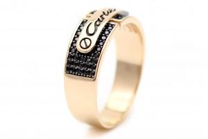 Мужское золотое кольцо с черными фианитами